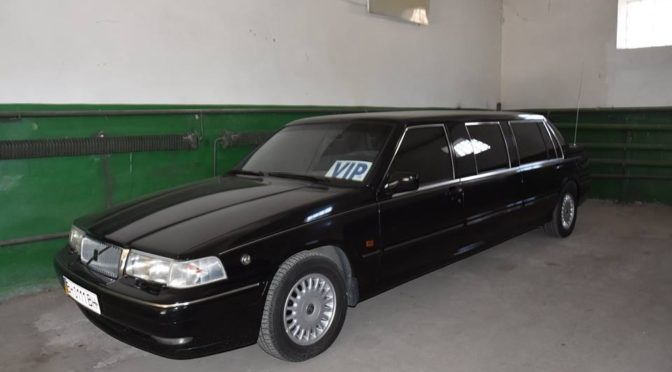 Не прошло и трех лет: глава одесского облсовета обнаружил у себя в рабочем гараже раритетный автомобиль