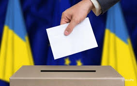 На избирательных участках Одессы холодно, нет связи и не хватает урн для голосования