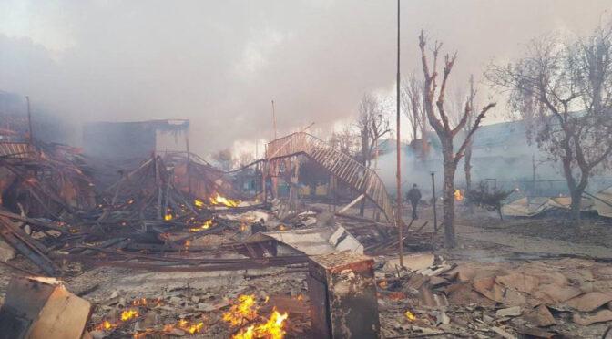 Масштабный пожар в Затоке: на базах отдыха сгорело два десятка зданий