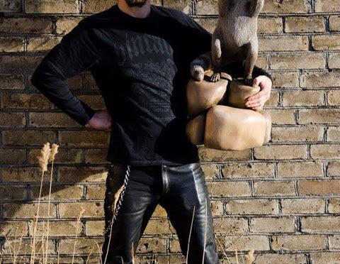Одессит создает удивительные скульптуры из сухих пеньков (фото)